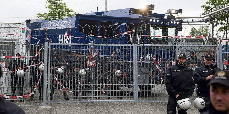 Der Eingang der Gefangenensammelstelle während des G20-Gipfels